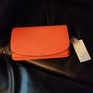 💥2in1 Clutch or Crossbody Bag!!!